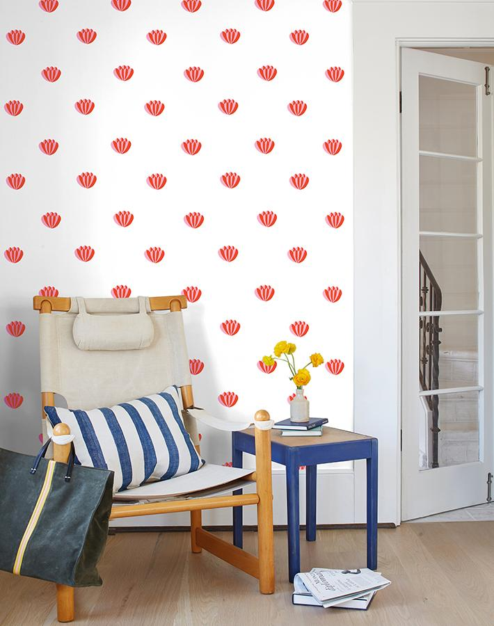 Wall pattern with red shells